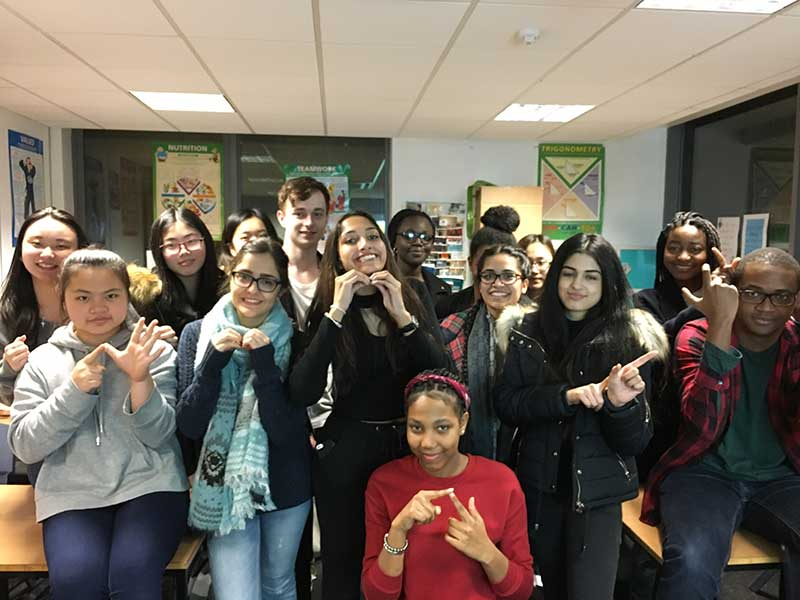 Abbey College Manchester Students Learn Sign Language