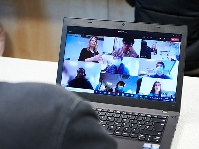 Online learning with the Abbey DLD Group of Colleges